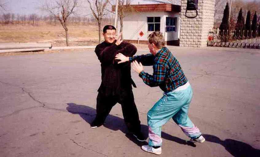 Przyjacielski sparring z sifu Zhao Wei Ping